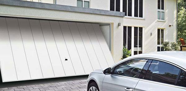 Motorisation de portes de garage basculantes / sectionnelles BFT